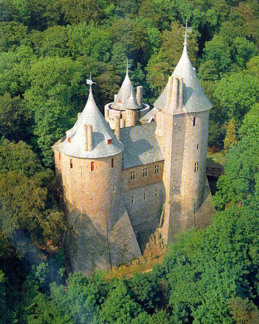 castell coch rob carney Pixlr.jpg