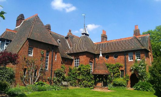 Philip_Webb's_Red_House_in_Upton.jpg