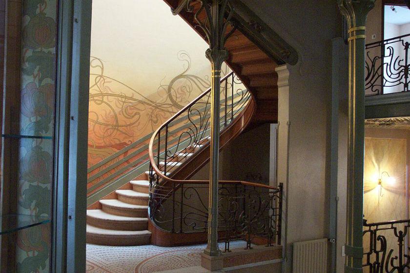 1024px-Tassel_House_stairway.jpg