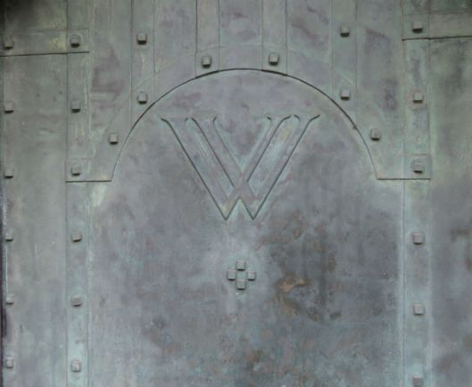 Fastolff House bronze door_1.jpg