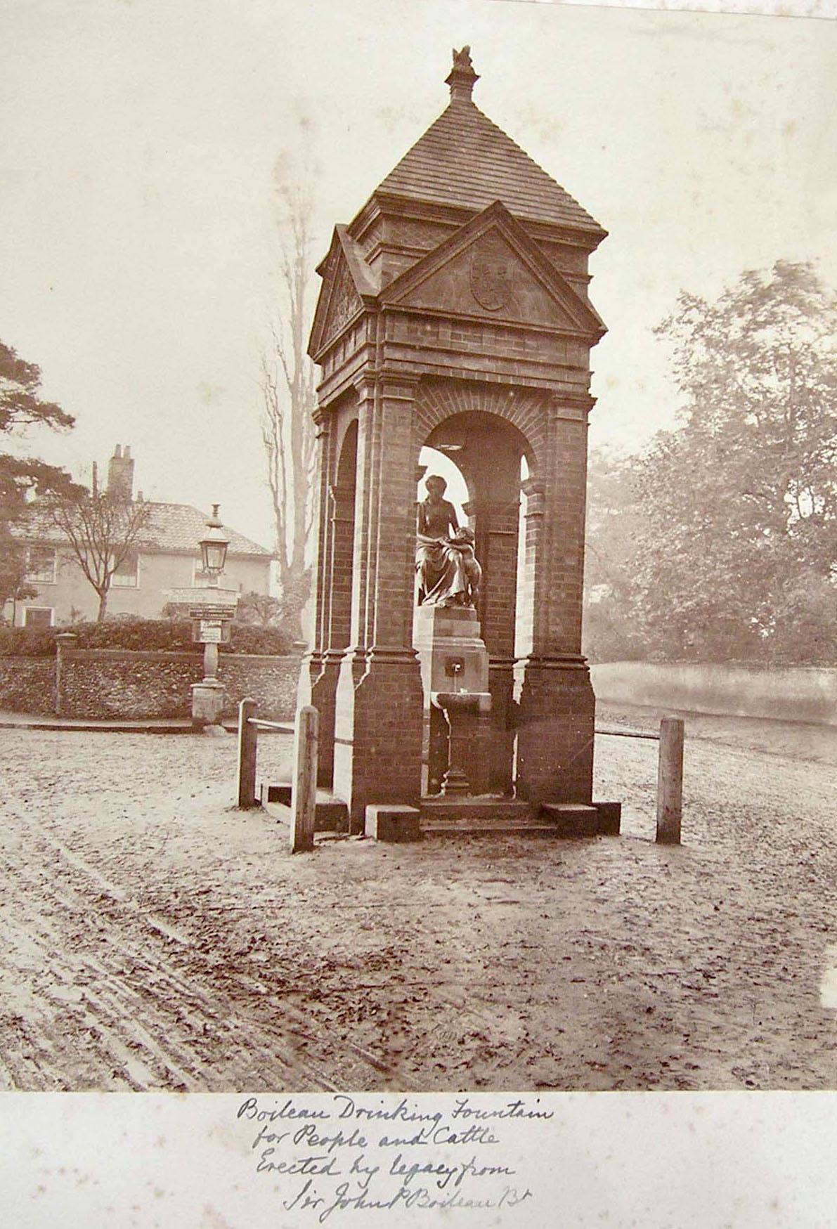 Boileau fountain 61.jpg