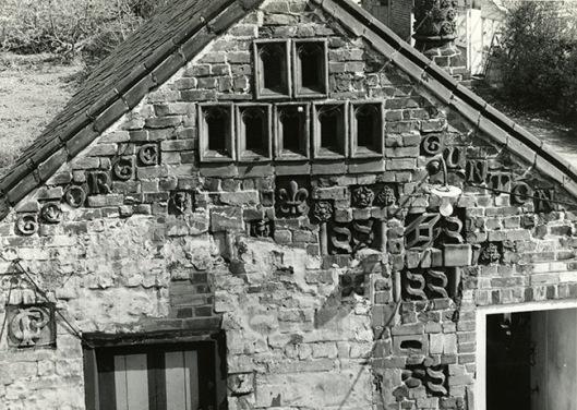 Cossy bricks on bldg west end_@BridewellPicNorflk.jpg