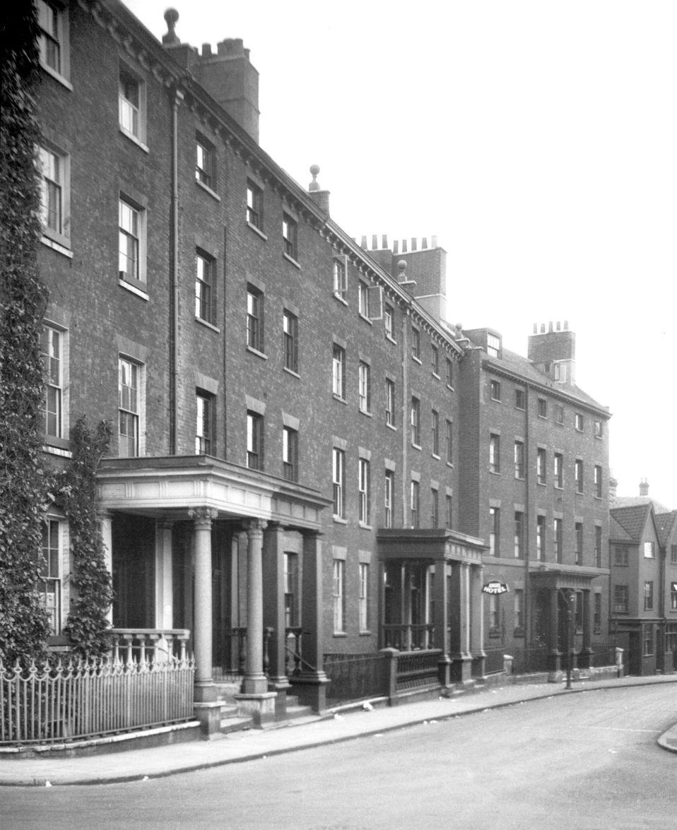 Surrey St 25 to 35 [0588] 1935-05-19.jpg