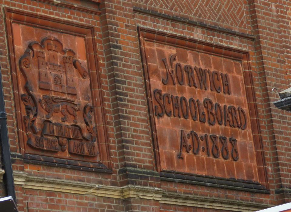 Duke St School plaque_1.jpg