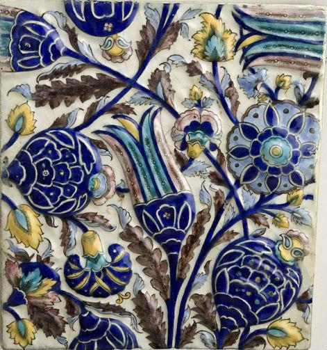 Qajar_Iznik-Style_Tile.jpg