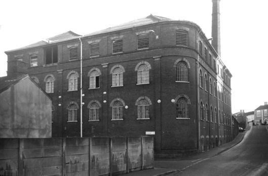 Coslany St Bullard's fermentation hall [5342] 1973-01-05.jpg
