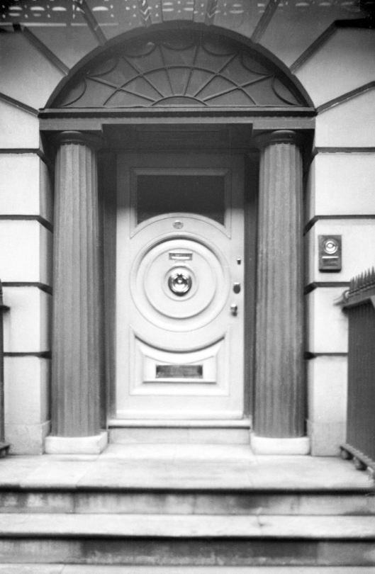 Surrey St 32 Regency Georgian doorway [0468] 1935-04-19.jpg