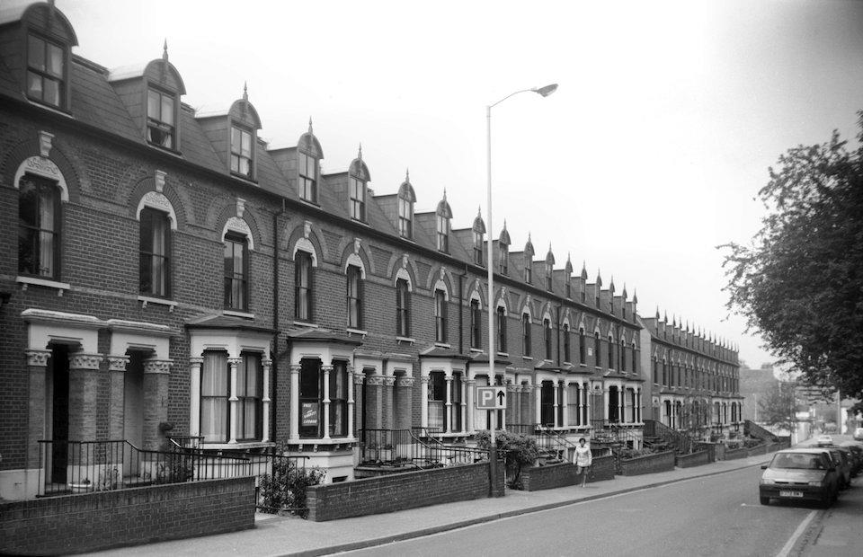 Surrey St 47 to 79 Carlton Terrace [6461] 1987-05-19.jpg
