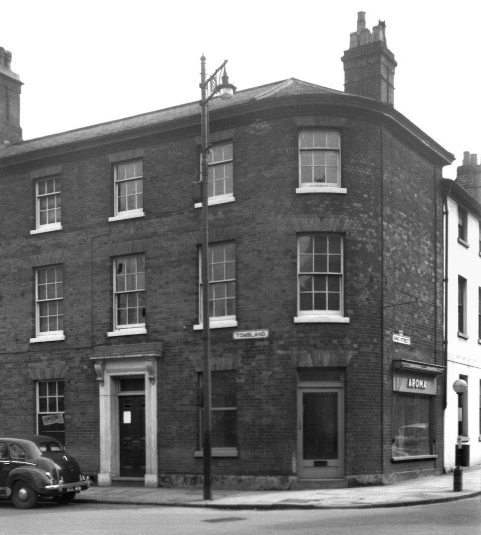 Tombland 29 site of Popinjay Inn [4659] 1962-03-28.jpg